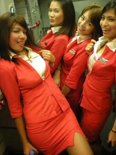 Sexy pose AirAsia stewardess 453x604.jpg